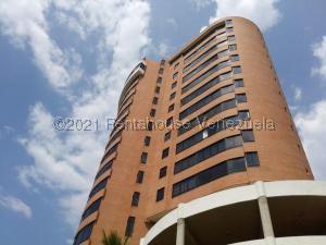 Apartamento En Ventaen Parroquia Caraballeda, Camuri Chico, Venezuela, VE RAH: 21-19872