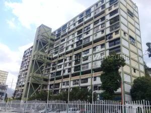 Apartamento En Ventaen Caracas, Parroquia 23 De Enero, Venezuela, VE RAH: 21-19880