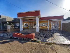 Casa En Ventaen Maracaibo, Santa Fe, Venezuela, VE RAH: 21-19881