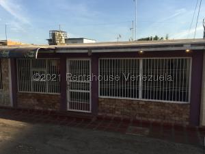 Casa En Ventaen Municipio San Francisco, San Francisco, Venezuela, VE RAH: 21-20392
