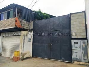 Galpon - Deposito En Alquileren Cabudare, Parroquia José Gregorio, Venezuela, VE RAH: 21-19966