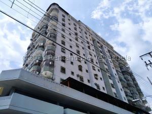 Apartamento En Ventaen Maracay, Zona Centro, Venezuela, VE RAH: 21-20002