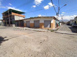 Local Comercial En Alquileren Maracay, Piñonal, Venezuela, VE RAH: 21-21771