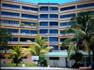 Apartamento En Ventaen Higuerote, Higuerote, Venezuela, VE RAH: 21-20618