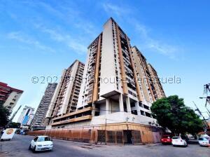 Apartamento En Ventaen Maracay, Zona Centro, Venezuela, VE RAH: 21-20083