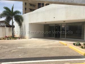 Local Comercial En Alquileren Maracaibo, Avenida Delicias Norte, Venezuela, VE RAH: 21-20143