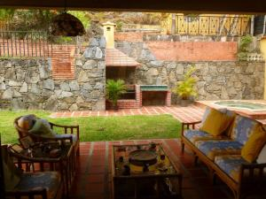 Casa En Ventaen Caracas, Santa Paula, Venezuela, VE RAH: 21-20159
