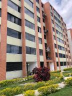 Apartamento En Ventaen Caracas, Los Naranjos Humboldt, Venezuela, VE RAH: 21-20171