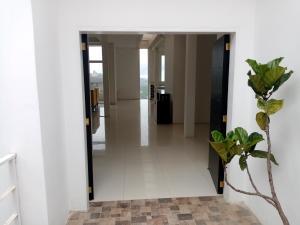 Casa En Ventaen San Antonio De Los Altos, Club De Campo, Venezuela, VE RAH: 21-20228
