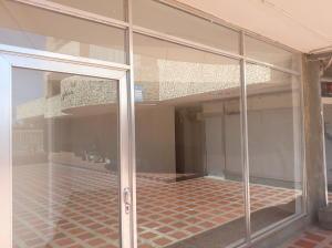 Local Comercial En Alquileren Maracaibo, Avenida Bella Vista, Venezuela, VE RAH: 21-20237