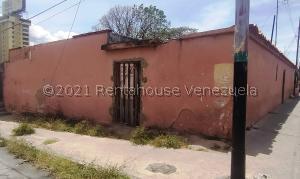 Terreno En Ventaen Barquisimeto, Parroquia Catedral, Venezuela, VE RAH: 21-20284