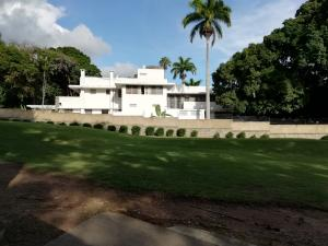 Casa En Ventaen Caracas, Country Club, Venezuela, VE RAH: 21-20289