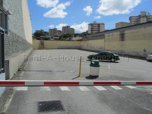 Terreno En Ventaen Caracas, Los Dos Caminos, Venezuela, VE RAH: 21-20299