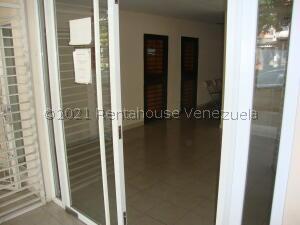 Local Comercial En Ventaen Barquisimeto, Del Este, Venezuela, VE RAH: 21-20345