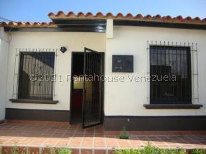 Casa En Ventaen Cabudare, Parroquia José Gregorio, Venezuela, VE RAH: 21-20512