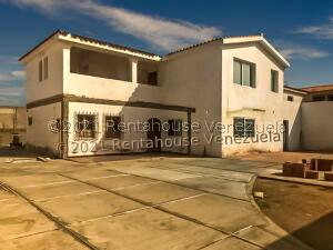 Casa En Ventaen Punto Fijo, Puerta Maraven, Venezuela, VE RAH: 21-20374