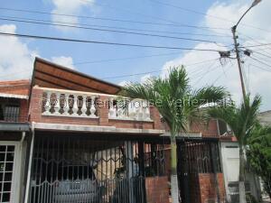 Casa En Ventaen Guatire, El Ingenio, Venezuela, VE RAH: 21-20396