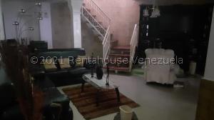Casa En Ventaen Guatire, Valle Arriba, Venezuela, VE RAH: 21-20420