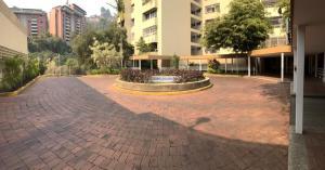 Apartamento En Alquileren Caracas, Las Esmeraldas, Venezuela, VE RAH: 21-20433