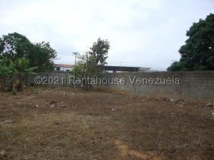 Terreno En Ventaen Cabudare, La Piedad Norte, Venezuela, VE RAH: 21-20449