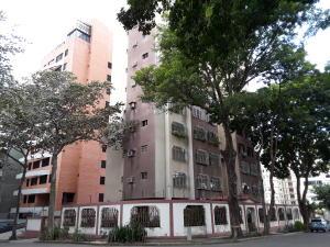Apartamento En Ventaen Valencia, Los Nisperos, Venezuela, VE RAH: 21-20506