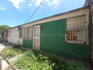 Casa En Ventaen Cagua, Prados De La Encrucijada, Venezuela, VE RAH: 21-20507