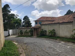 Casa En Ventaen Caracas, Alto Hatillo, Venezuela, VE RAH: 21-20524
