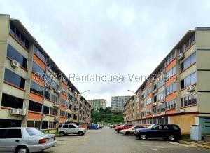 Apartamento En Ventaen Parroquia Caraballeda, Camuri Chico, Venezuela, VE RAH: 21-20515