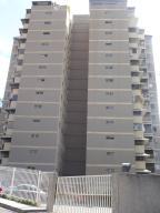 Apartamento En Ventaen Caracas, Terrazas Del Club Hipico, Venezuela, VE RAH: 21-20567