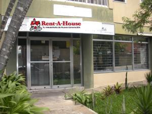 Local Comercial En Ventaen Caracas, Santa Eduvigis, Venezuela, VE RAH: 21-20568