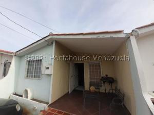 Casa En Ventaen Cabudare, Prados Del Golf, Venezuela, VE RAH: 21-20586