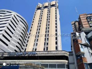 Oficina En Ventaen Maracay, Avenida 19 De Abril, Venezuela, VE RAH: 21-17011