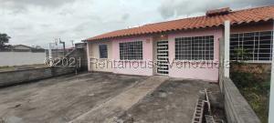 Casa En Ventaen Acarigua, Lomas De Santa Sofia, Venezuela, VE RAH: 21-20911