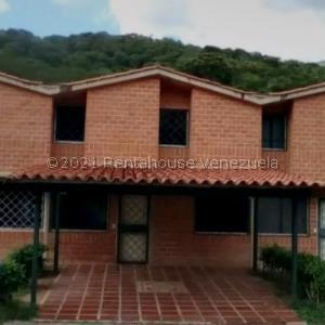 Townhouse En Ventaen Charallave, Valles De Chara, Venezuela, VE RAH: 21-20653