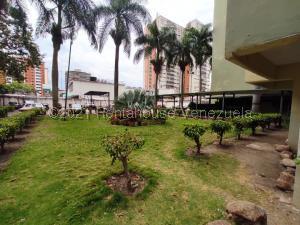 Apartamento En Ventaen Barquisimeto, Parroquia Santa Rosa, Venezuela, VE RAH: 21-20675