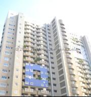 Apartamento En Ventaen Catia La Mar, Playa Grande, Venezuela, VE RAH: 21-20687
