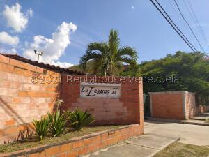 Apartamento En Ventaen Turmero, La Laguna Ii, Venezuela, VE RAH: 21-20719