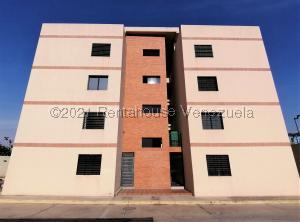 Apartamento En Ventaen Cabudare, Centro, Venezuela, VE RAH: 21-20711