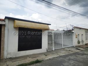 Casa En Ventaen Maracay, La Esmeralda, Venezuela, VE RAH: 21-20752