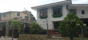 Casa En Ventaen Parroquia Caraballeda, Palmar Este, Venezuela, VE RAH: 21-20894