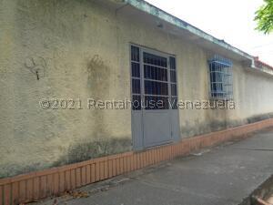 Local Comercial En Alquileren Cabudare, El Recreo, Venezuela, VE RAH: 21-20859