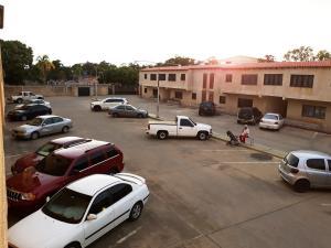 Apartamento En Ventaen Cabimas, Ambrosio, Venezuela, VE RAH: 21-20889