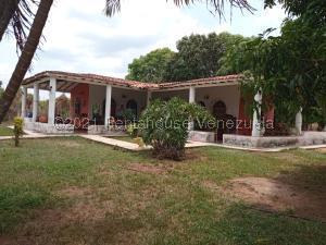 Casa En Ventaen Municipio Libertador, Safari Carabobo, Venezuela, VE RAH: 21-21026