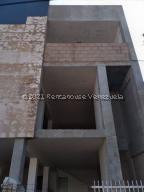 Townhouse En Ventaen Municipio San Francisco, La Coromoto, Venezuela, VE RAH: 21-20898