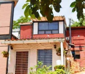 Townhouse En Ventaen Puerto La Cruz, Cantaclaro, Venezuela, VE RAH: 21-20599