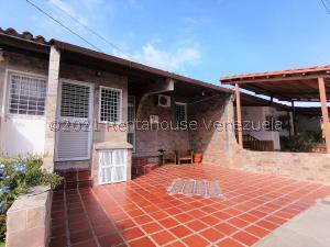 Casa En Ventaen Cabudare, La Mora, Venezuela, VE RAH: 21-20934