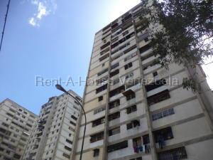 Apartamento En Ventaen Caracas, Caricuao, Venezuela, VE RAH: 21-20942