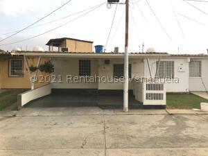Casa En Ventaen Cabudare, Parroquia José Gregorio, Venezuela, VE RAH: 21-20962