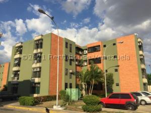 Apartamento En Ventaen Maracay, Narayola Uno, Venezuela, VE RAH: 21-21158