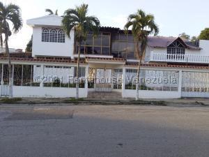 Casa En Ventaen Barquisimeto, Colinas De Santa Rosa, Venezuela, VE RAH: 21-21006
